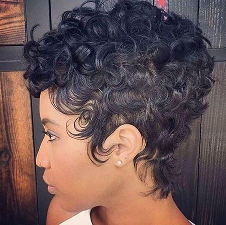 Trendy-Style Short Hairstyles for Black Women 2018