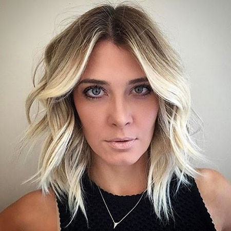 Blonde-Balayage Short Hairstyles for Oblong Faces