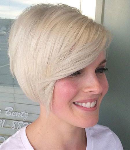 Blonde-Beauty Trendy Short Haircuts for Women