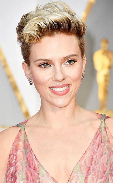 Blonde-Hairstyles Best Scarlett Johansson Short Hair