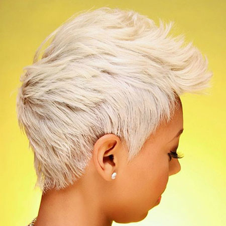 Short Platinum Blonde Hairstyles