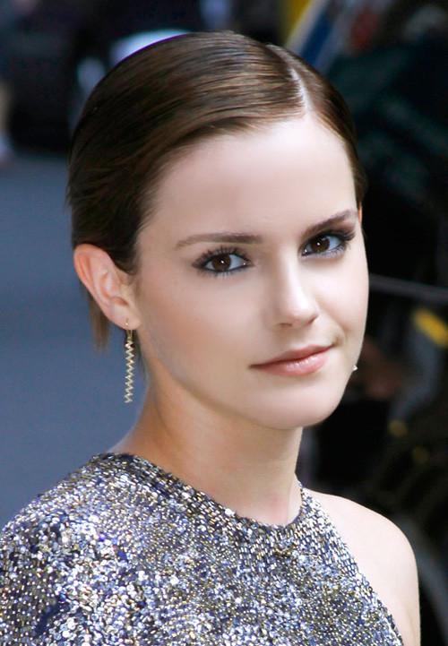 Emma-Watson-Short-Straight-Hair Popular Celebrity Short Haircuts