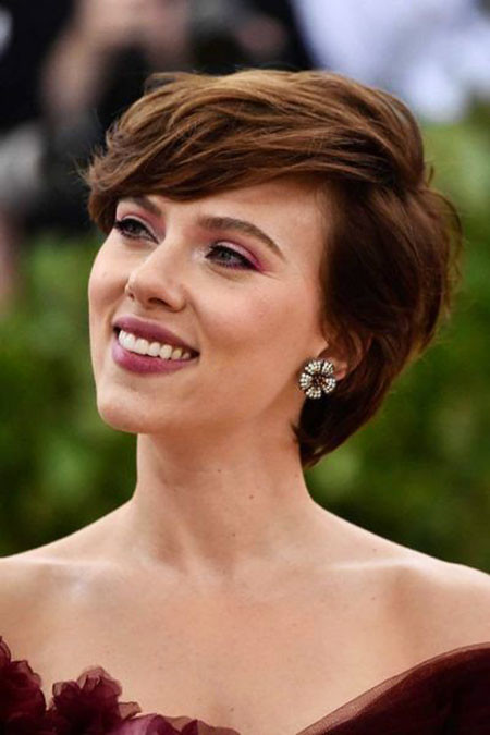 Hair-with-Bangs Best Scarlett Johansson Short Hair