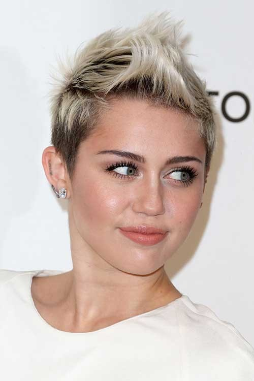 Miley-Cyrus-Short-Blonde-Spiked-Hairstyle Spiky Short Haircuts