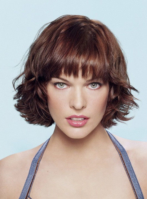 Milla-Jovovich-short-wavy-hair Trendy Short Celebrity Hairstyles