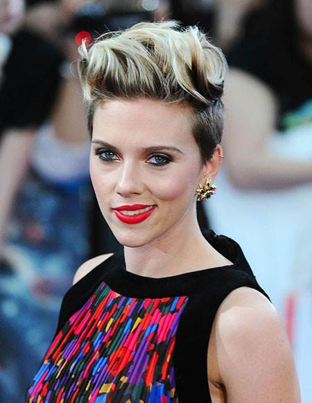 Mohawk-Style Best Scarlett Johansson Short Hair