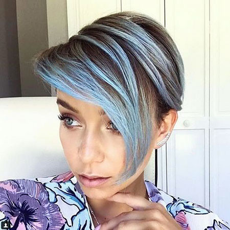 Ombre-Side-Bangs Chic Short Haircuts with Bangs