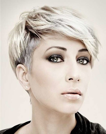 Platinum-Side-Shaved-Hair Trendy Short Haircuts for Women