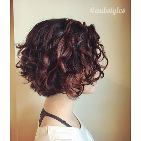 Reddish-Brown-and-Black-Mix Chic Short Curly Hairstyles for Women