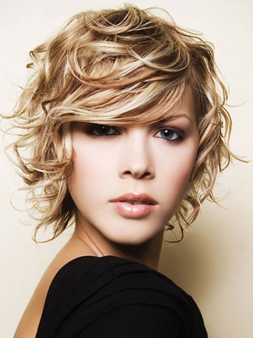 Short-Curly-Blonde-Hairstyles Celebrity Short Haircuts