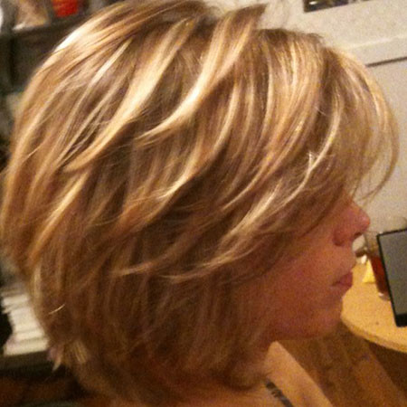Short-Layered-Haircut-Brown-Hair Best Layered Bob Hairstyles