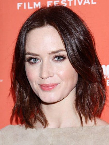 Shoulder-Length-Beachy-Wavy-Mane Short Hairstyles for Oblong Faces
