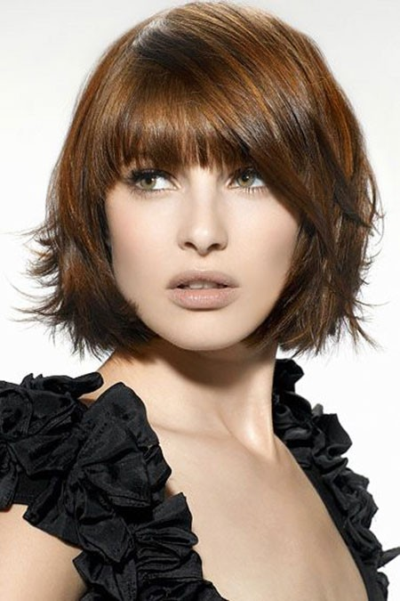 Sweet-and-Short-Caramel-Brown Short Hairstyles for Oblong Faces