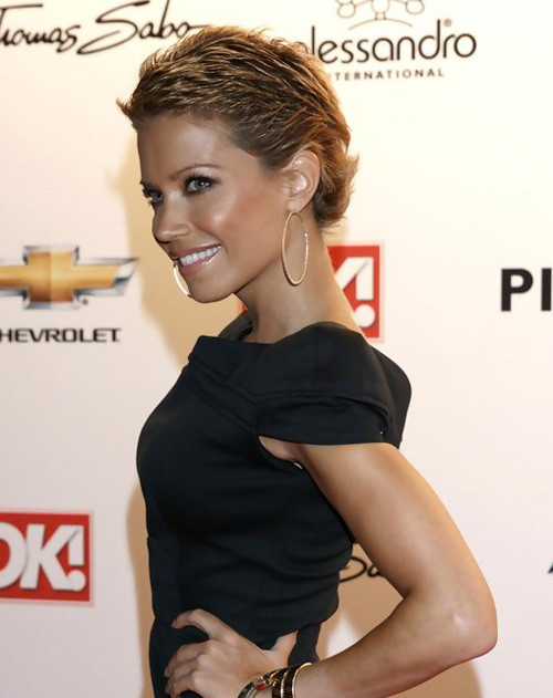 Sylvie-Van-Der-Vaart-short-pixie-haircut Trendy Short Celebrity Hairstyles