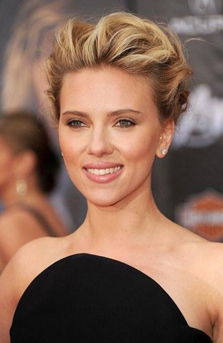 Wavy-Hair Best Scarlett Johansson Short Hair