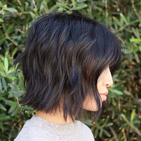 11-Short-Haircuts-for-Wavy-Thick-Hair-647 Short Haircuts for Wavy Thick Hair