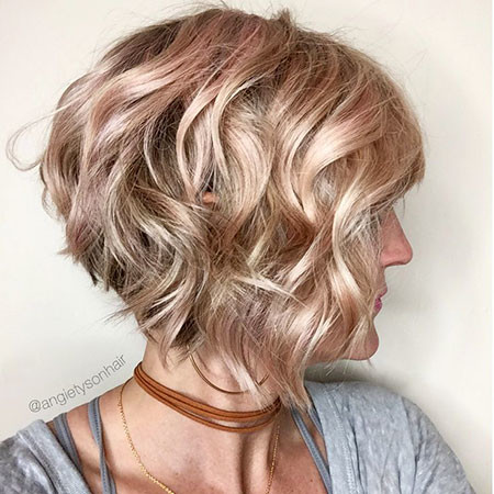 13-Graduated-Bob-Wavy-Hair-523 Best Bob Hairstyles for Women 2019