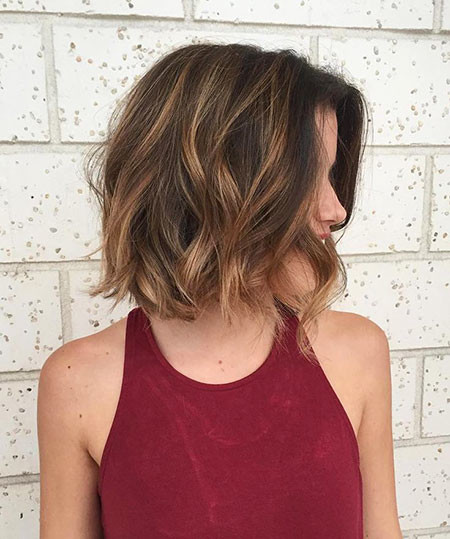 24-Short-Hair-Above-Shoulders-574 Short Hairstyles for Women