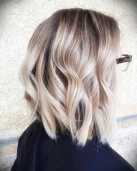 Beige-Blonde Short Haircuts for Wavy Thick Hair