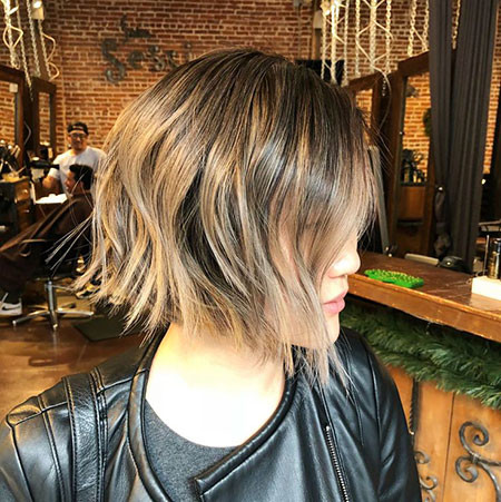 Edgy-Choppy-Bob Short Choppy Haircuts