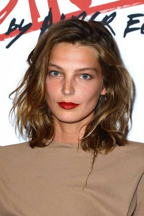 Short-Light-Brown-Medium-Hair-with-Waves Short Medium Length Haircuts