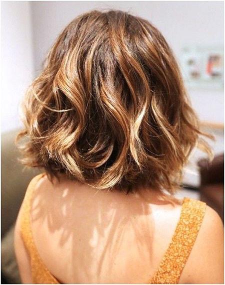 Wavy-Hair-with-Balayage Short Haircuts for Wavy Thick Hair