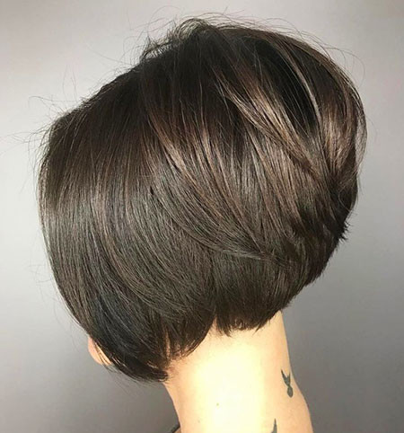 26-Neck-Length-Layered-Bob-Haircut-2018-785 Short Layered Haircuts