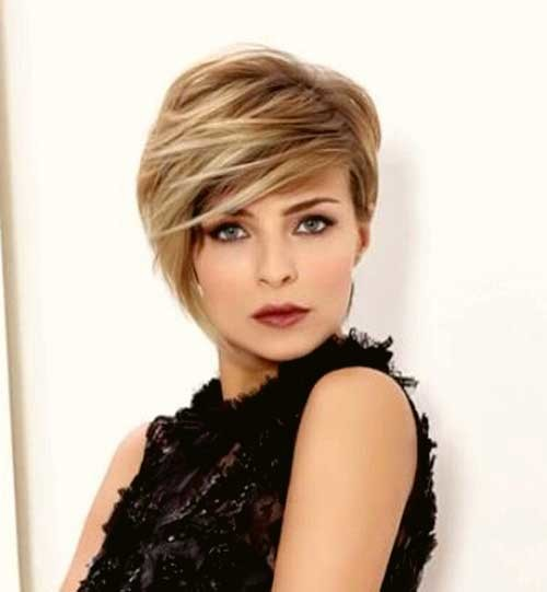 Layered-Blonde-Short-Haircut-for-Round-Faces 2018 Latest Layered Short Haircuts for Round Faces