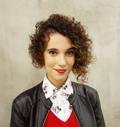 Side-Swept-Bob-Hair Best Curly Short Hairstyles