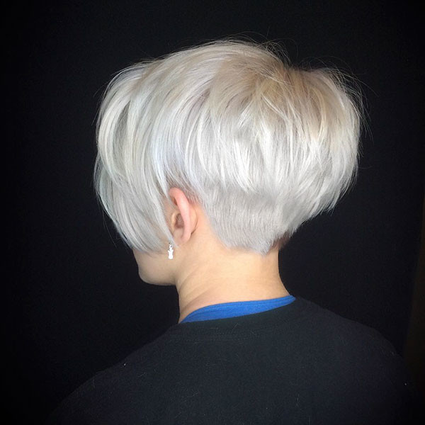 Bleach-Blonde-Pixie-Hair Best Pixie Cut 2019