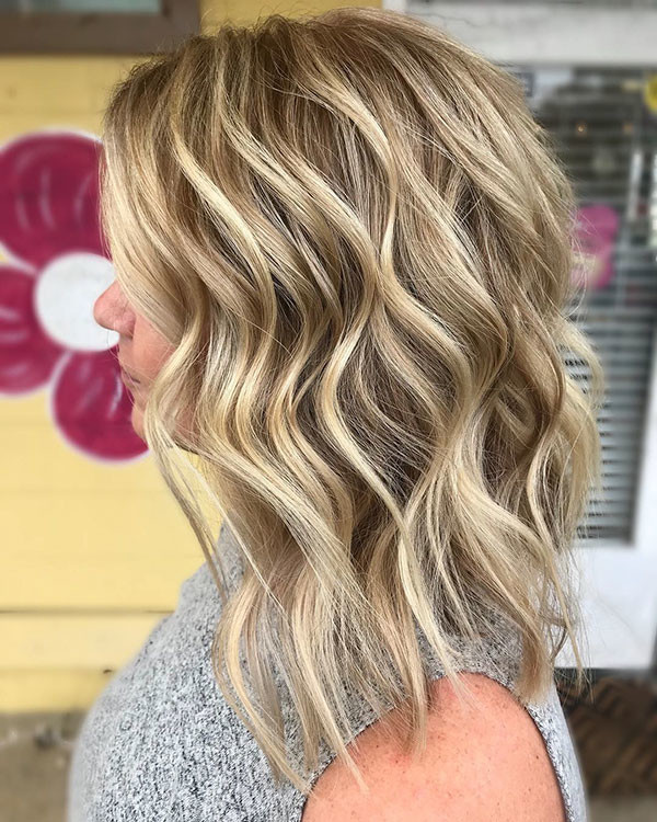Blonde-Highlights Popular Short Wavy Hairstyles 2019