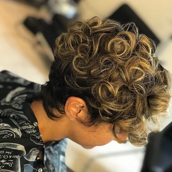 Curly-Hair-2 Short Haircuts for Black Women 2019