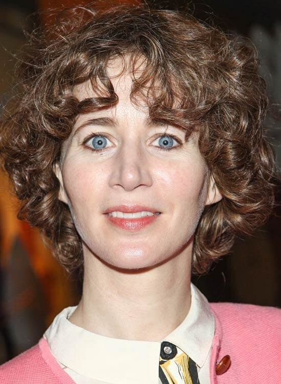 Curly-Rounded-Bob-With-Highlights Messy Short Bob Hairstyles
