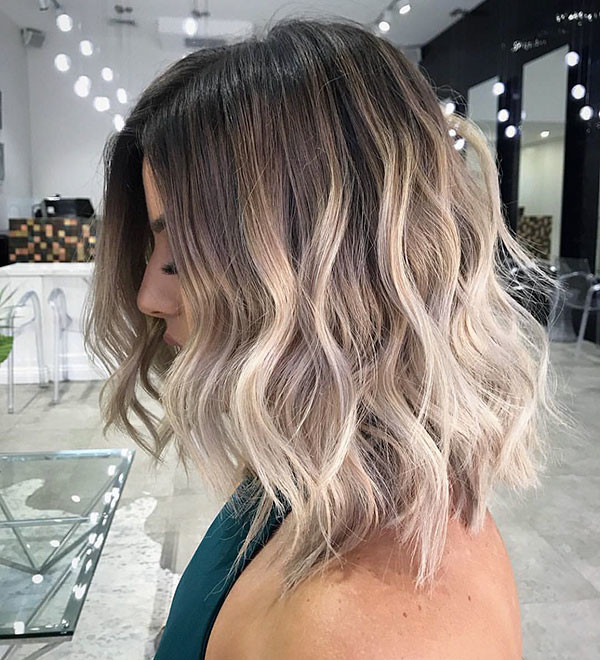 Cute-Wavy-Hair-Color Popular Short Wavy Hairstyles 2019