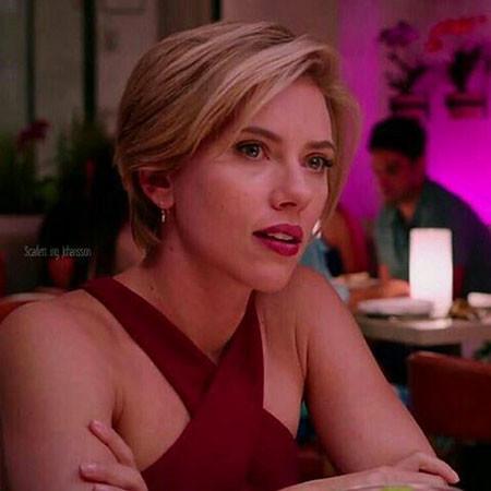 Elegant-Style Scarlett Johansson Short Hairstyles