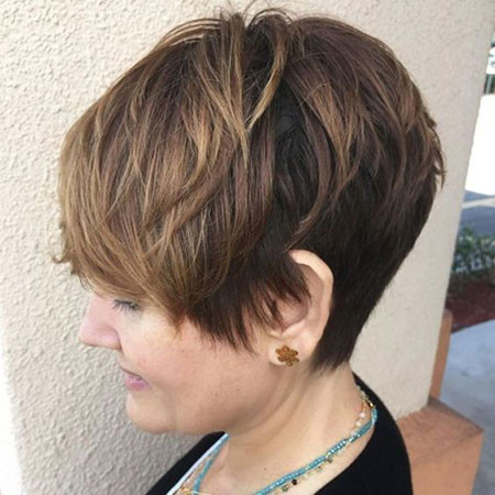 Layered-Pixie Best Pixie Haircuts for Over 50 2018 – 2019