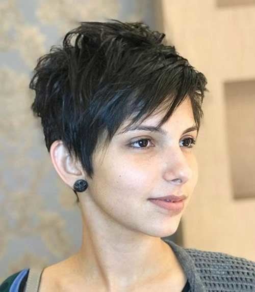 Layered-Razor-Cut-Pixie Best Short Haircuts for 2018-2019