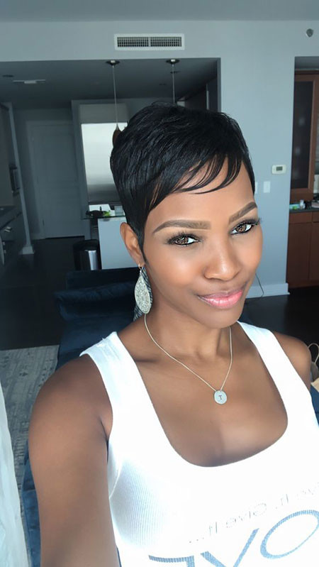 Pixie-Hairstyle-with-Bangs Best Short Pixie Hairstyles for Black Women 2018 – 2019