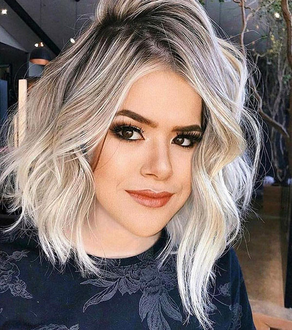 Short-Blonde-Wavy-Hair Popular Short Wavy Hairstyles 2019