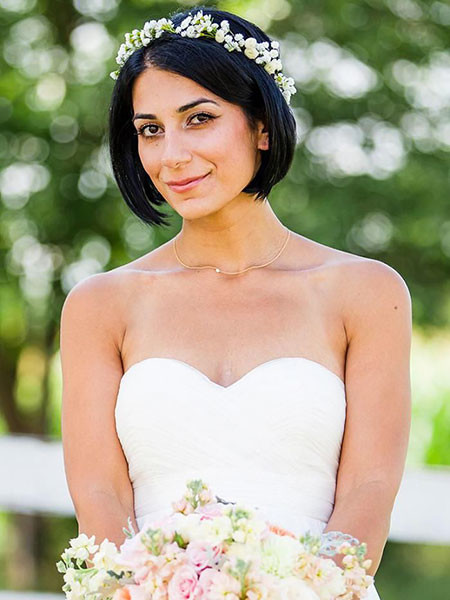 Short-Bob-Hair-with-Flower-Headband Wedding Hairstyles for Short Hair