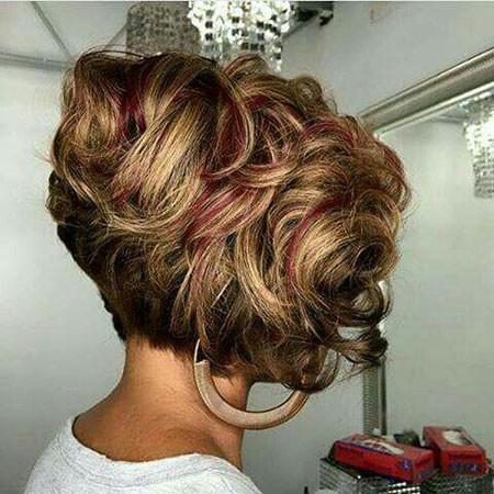 Short-Curly-Bob-Hairstyle Popular Short Curly Hairstyles 2018 – 2019