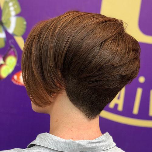 Short-Layered-Brown-Haircut Short Layered Haircuts 2018 – 2019