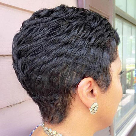 Short-Layered-Hairstyle Best Short Pixie Hairstyles for Black Women 2018 – 2019