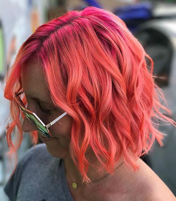 Short-Wavy-Pink-Hair Popular Short Wavy Hairstyles 2019