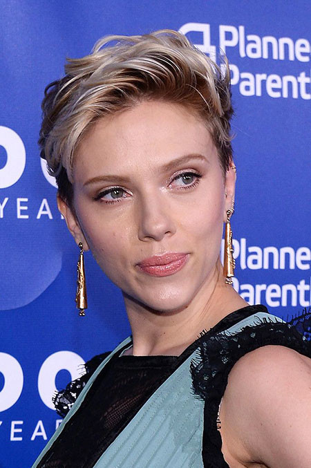 Simple-Daily-Style Scarlett Johansson Short Hairstyles