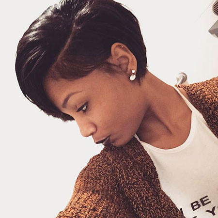Sleek-Hair Trendy Short Hairstyles 2019