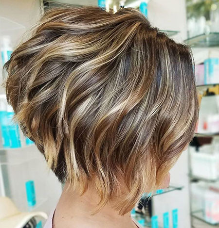 Soft-Wavy-Inverted-Bob Short Inverted Bob Hairstyles