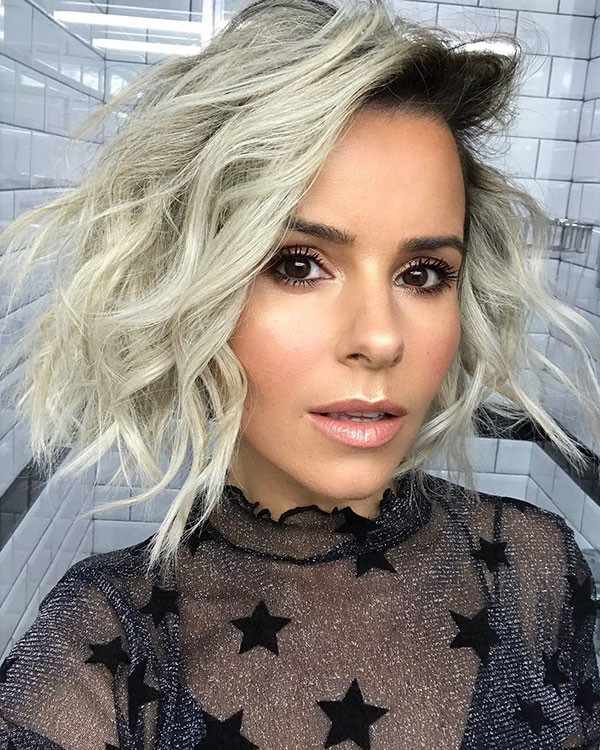 Wavy-Curly-Hair Popular Short Wavy Hairstyles 2019
