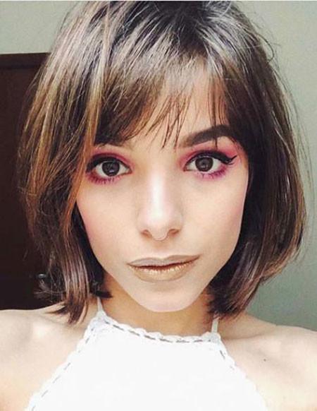 Whispy-Side-Bangs-for-Short-Hair Trendy Short Hairstyles 2019
