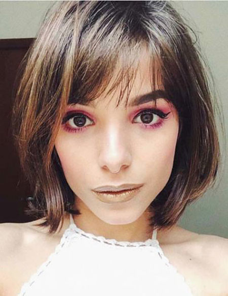 Whispy-Side-Bangs-for-Short-Hair Trendy Short Hairstyles 2019